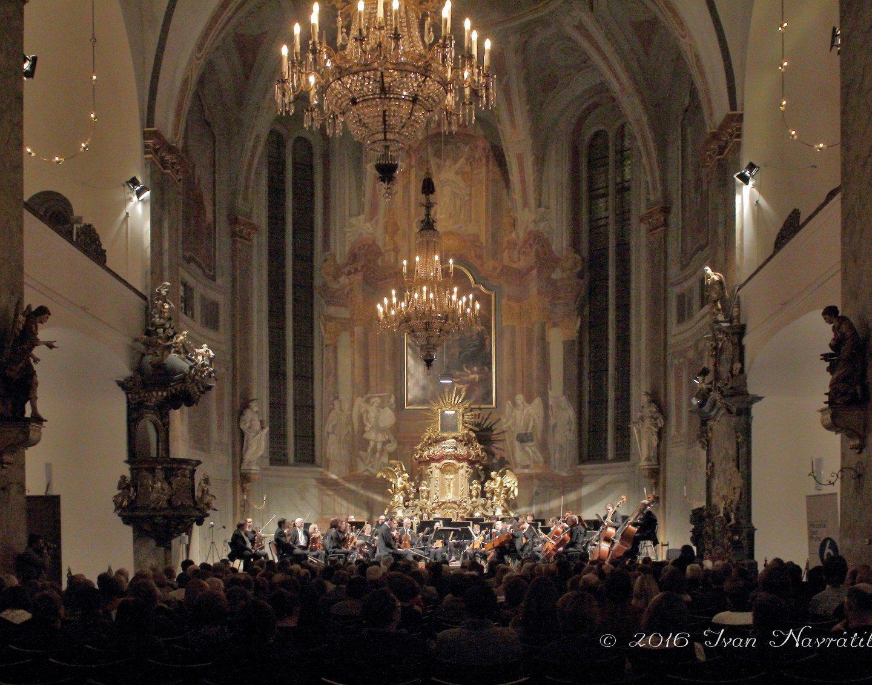 Benefiční koncert v kostele Simona a Judy